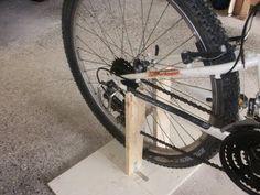 Bike Stand Diy, Diy Bike Rack, Bicycle Rack, Bike Stands, Diy Stationary Bike, Bicycle Workout, Bicycle Exercise, Diy Gym Equipment, Indoor Bike Trainer