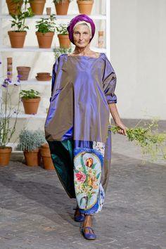 .D Gregis.  Contrary to belief--not all older women wear pastels !!!