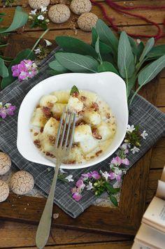 Gnocchi con gorgonzola, bacon e amaretti