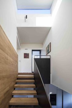 Gallery of U House / Ronnie Alroy Architects - 22