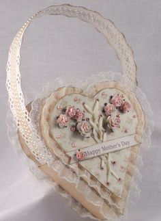 Mother's Day Heart Basket  www.tarascraftstudio.com