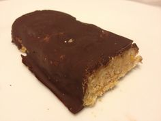 Low carb protein bar with vanilla and orange