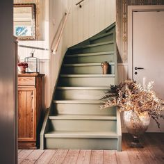"""Ulrika's Instagram profile post: """"Höst 🍂 Och fredag! Mina tre emojis för dagen är 🚲💃🏼🦞. Vilka är dina?! ☺️"""" Painted Staircases, Painted Stairs, Stairs Colours, House Stairs, Cottage Stairs, Interior Decorating, Interior Design, Staircase Design, Scandinavian Home"""