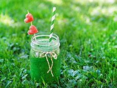 Receta de Jugo para Diabeticos   Los jugos de verduras contienen excelentes cantidades de fibra, que ayudan en la digestión apropiada y el tratamiento del estreñimiento. Estos jugos también ayudan a mantener el nivel normal de azúcar, prueba este jugo para diabeticos y cuida tu salud!
