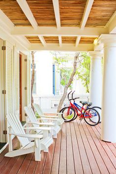 String of Pearls | Seaside, Florida | Cottage Rental Agency  Photo Credit: The Kevin and Amanda Blog (http://www.kevinandamanda.com/whatsnew/travel/cottages-of-seaside.html)