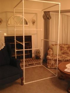 The framework of the changing room in PVC pipe.  It is simple to put together and take apart. #diy #shop #display