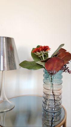 20 cm petit porcelaine Bud Vase en café noir ou crème pour artificielle tige