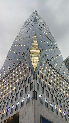 minimalism and architecture Architecture Design, Facade Design, Amazing Architecture, Contemporary Architecture, Unusual Buildings, Amazing Buildings, Building Facade, Building Design, Architectural Lighting Design