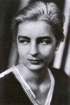 Ruth Benedict/ Patterns of Culture (1934)/ culture and personality approach/ student of Franz Boas/ relationship with Mead? Suicide?/ American Anthropologist/ deviants
