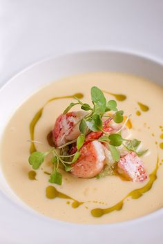Lobster Bisque i feel guilty liking this Seafood Recipes, Gourmet Recipes, Soup Recipes, Cooking Recipes, Think Food, Love Food, Lobster Bisque, Soup And Sandwich, Yummy Food
