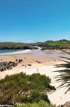 Barro beach seen from Xiglu beach in Llanes, Asturias - extensive sandy area with all the amenities you might need. Places To Travel, Places To See, Places In Portugal, Asturias Spain, Paraiso Natural, Europe Travel Guide, Beautiful Beaches, Travel Inspiration, Spanish