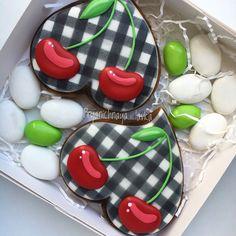 В наличии - These are so cool. Summer Cookies, Fancy Cookies, Sweet Cookies, Valentine Cookies, Cute Cookies, Easter Cookies, Fruit Cookies, Iced Cookies, Cupcake Cookies
