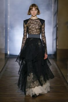 Givenchy Spring 2018 Couture Collection - Vogue