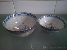 dos cuencos de porcelana chino. pintado a mano con pan de oro
