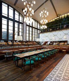 El Nacional — Barcelona's gastronomic space Decoration Restaurant, Restaurant Lighting, Cafe Restaurant, Restaurant Design, Pub Design, Shop Interior Design, Barcelona Bar, Visual Merchandising, Tufted Ottoman Coffee Table