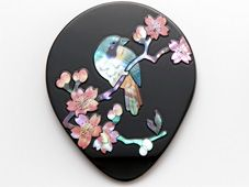 高岡螺鈿細工 手鏡 桜に樫鳥(かしどり)