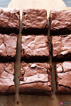 Ultimate Brownies Ultimate Brownies are ultra thick, fudgy, chewy, and chocolaty with that perfect crinkly crust on top. Ultimate Brownie Recipe, Brownie Recipes, Cookie Recipes, Dessert Recipes, Classic Brownies Recipe, Just Desserts, Delicious Desserts, Yummy Food, Best Brownies