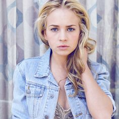 Britt Robertson  Absolutely beautiful.
