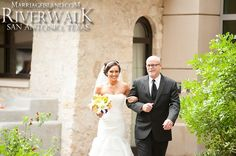 Here comes the Bride! 2014 Marriage Island Spring Wedding San Antonio Riverwalk www.MarriageIsland.com (210) 667-6503 Katrina & Edward 2014