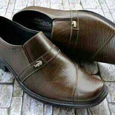 https://www.tokopedia.com/sabukkulitmurah/sepatu-pantofel-kulit-asli-gps-004