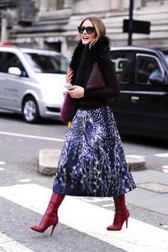 Winter outfit inspiration spotted on the Olivia Palermo. I can't get enough of her stylish midi skirt Estilo Olivia Palermo, Olivia Palermo Style, Look Fashion, Womens Fashion, Fashion Trends, Street Fashion, Fashion Lookbook, Hijab Fashion, Fashion Fashion