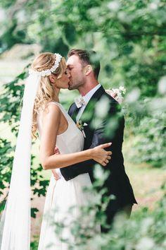 Hochzeit auf Schloss Grünewald bei Solingen | Friedatheres.com  Fotos: Kreativ Wedding