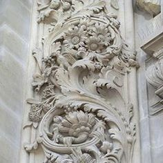 Floral Architecture in Paris Wood Carving Designs, Wood Carving Art, Stone Carving, Wood Art, Ornament Drawing, Baroque Decor, Antique French Furniture, Plaster Art, Wooden Door Design