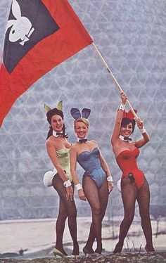Montreal Bunnies flying the flag for Playboy outside the Montreal Expo Conference Center. Montreal Playboy Club, April 1967 to June Expo 67 Montreal, Montreal Ville, Playboy Bunny Costume, Nylons, Hallowen Costume, Babe, Good Old, Pulp Fiction, Cosplay