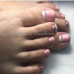 Tea tree oil and nail fungus Cute Pedicure Designs, Beautiful Nail Designs, Pretty Toe Nails, Cute Toe Nails, Pedicure Nail Art, Toe Nail Art, Border Nails, Cute Pedicures, Feet Nails