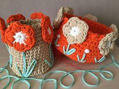 No photo description available. Crochet Rug Patterns, Crochet Basket Pattern, Crochet Motif, Crochet Designs, Free Crochet, Crochet Bowl, Crochet Yarn, Knitting Yarn, Crochet Planter Cover