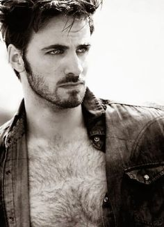 Colin O'Donoghue is so hot!!