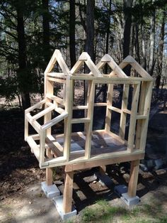 You Can Build Chicken Coops Almost Anywhere - Top Coop Plans Backyard Coop, Backyard Chicken Coop Plans, Easy Chicken Coop, Portable Chicken Coop, Chicken Pen, Chicken Coop Designs, Building A Chicken Coop, Chickens Backyard, Clean Chicken