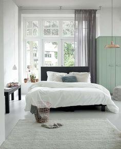 KARWEI | Zachte tinten en het mooiste linnengoed. #wooninspiratie #slaapkamer #karwei