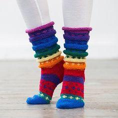 Strikkes i Embla – Hifa 3 Ullgarn og Fjell sokkegarn Garnforbruk: Embla Hifa 100 % norsk ull, Finger Knitting, Knitting Socks, Baby Knitting, Knitted Hats, Crochet Slippers, Knit Crochet, Drops Karisma, Sock Toys, Hand Warmers