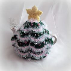 Christmas Tree Tea Cosy, with pink glass bead detail