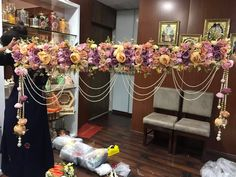 Door Flower Decoration, Diwali Decoration Items, Door Hanging Decorations, Ganpati Decoration At Home, Flower Decorations, Wedding Decorations, Diwali Diy, Diwali Craft, Pooja Room Door Design