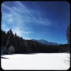 Bavarian colours: blue & white. #soultravels #outdoorgirl #adventuregirl #wanderlust #mindful #forevercurious #winterwonderland #munichandthemountains