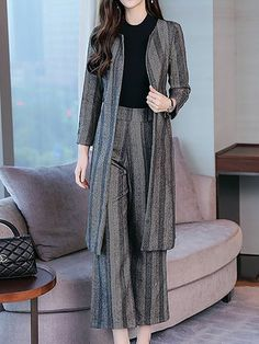 Elegant Sheath Striped Coat With Pants Two-Piece Set Stylish Work Outfits, Stylish Dress Designs, Designs For Dresses, Stylish Dresses, Casual Dresses, Muslim Fashion, Hijab Fashion, Fashion Dresses, Indian Designer Outfits