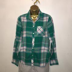 American Eagle Outfitters, Size S Like new flannel button down, no imperfections, 100% cotton. American Eagle Outfitters Tops Button Down Shirts