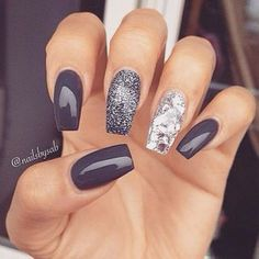 "If you're unfamiliar with nail trends and you hear the words ""coffin nails,"" what comes to mind? It's not nails with coffins drawn on them. It's long nails with a square tip, and the look has. Fancy Nails, Trendy Nails, Love Nails, How To Do Nails, Classy Nails, How To Nail Art, Elegant Nails, Fabulous Nails, Gorgeous Nails"