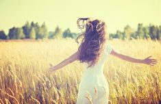 5 Herbs for Healthy Hair - Real Beauty - Mother Earth Living Jasmine Thompson, Circulation Sanguine, The Better Man Project, Cancer Cure, Real Beauty, The Body Shop, Gorgeous Hair, Amazing Hair, Mother Earth