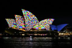 Lighting the Sails turns the Sydney Opera House into a psychedelic light show http://vrge.co/U92e1U pic.twitter.com/AVzgB4gApL