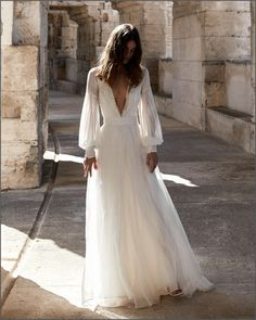 Emannuelle Junqueira 2021 Boho Bride, Boho Wedding, Wedding Gowns, Bridal Style, Bridal Dresses, That Look, Marriage, Weddings, Fun
