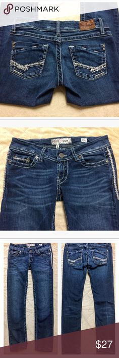 """BKE Stella Skinny Jeans - 26 GUC. Embellished with metallic silver thread. Size 26. Tag says 26L, but they have been hemmed by the seamstress at Buckle. Length: 34"""". Inseam: 28"""". Rise: 6.5"""" (low)  Waist: 15"""" BKE Jeans Skinny"""