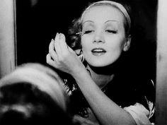 von Sterberg/Dietrich/Banton: Blonde Venus,1932