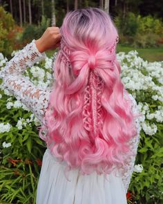 Accented & stacked loop braids with hair bow on wig from 🎀💗 I'm also wearing dress from 💗😍 You can purchase yours from their website (link in story! Cute Hair Colors, Beautiful Hair Color, Hair Dye Colors, Cool Hair Color, Pastel Pink Hair, Lilac Hair, Blue Hair, Pretty Hairstyles, Braided Hairstyles