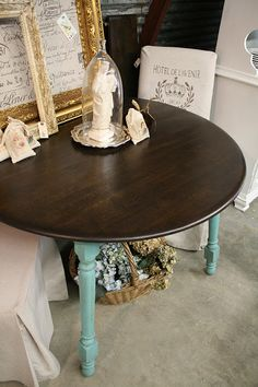 Minwax Ebony and Dark Walnut stains mixed together for the top of this table