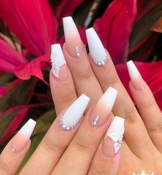 70 Awesome Gel Nail Designs To Try 2019 - Disenodeunas Bling Acrylic Nails, White Acrylic Nails, Best Acrylic Nails, Rhinestone Nails, Acrylic Nails Coffin Short, Wedding Acrylic Nails, Coffin Nail, Stylish Nails, Trendy Nails
