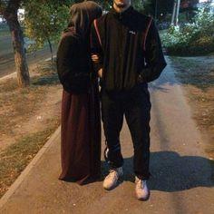 .Haalimhaalim Cute Muslim Couples, Muslim Girls, Cute Couples Goals, Muslim Women, Muslim Brides, Classy Couple, Cute Love Couple, Cute Couple Pictures, Stylish Girls Photos
