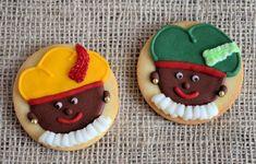 Pecans, Royal Icing, Cake Pops, Sugar Cookies, Christmas Cookies, Biscuits, Cupcakes, Desserts, Food